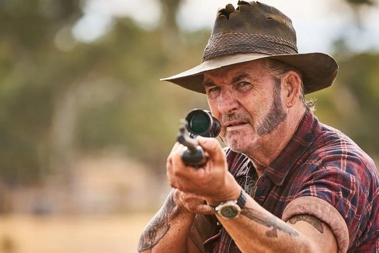 Джон Джэррэт сыграл маньяка Мика Тейлора в фильмах «Волчья яма» и «Волчья яма 2»